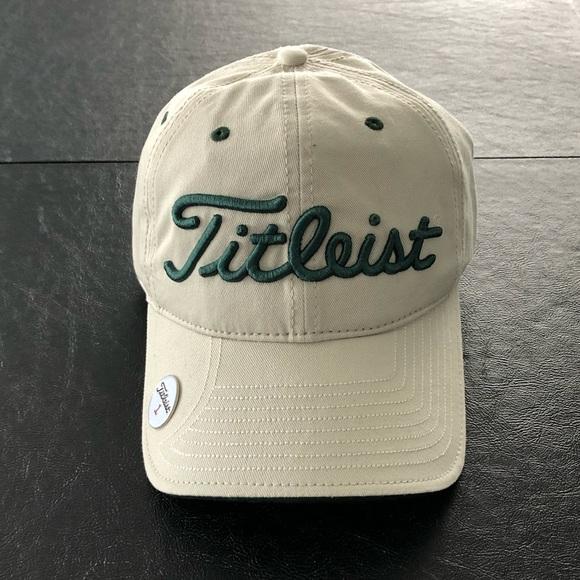 7300b6f8935 Titleist golf hat with ball marker